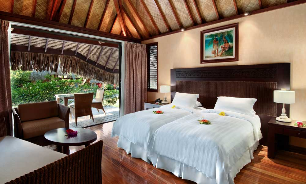 10 night bora bora and moorea luxury vacation for Garden pool bungalow intercontinental moorea