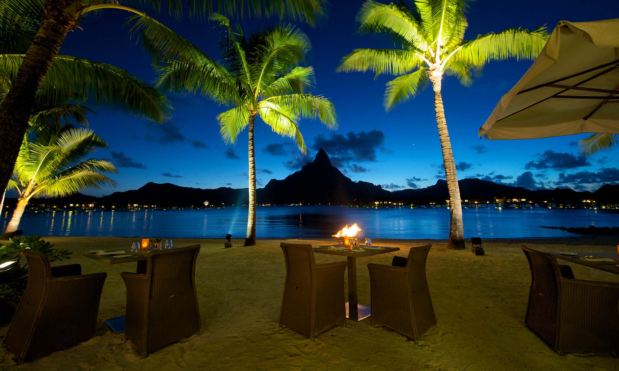 InterContinental Bora Bora Resort & Thalasso Spa, Sands Restaurant