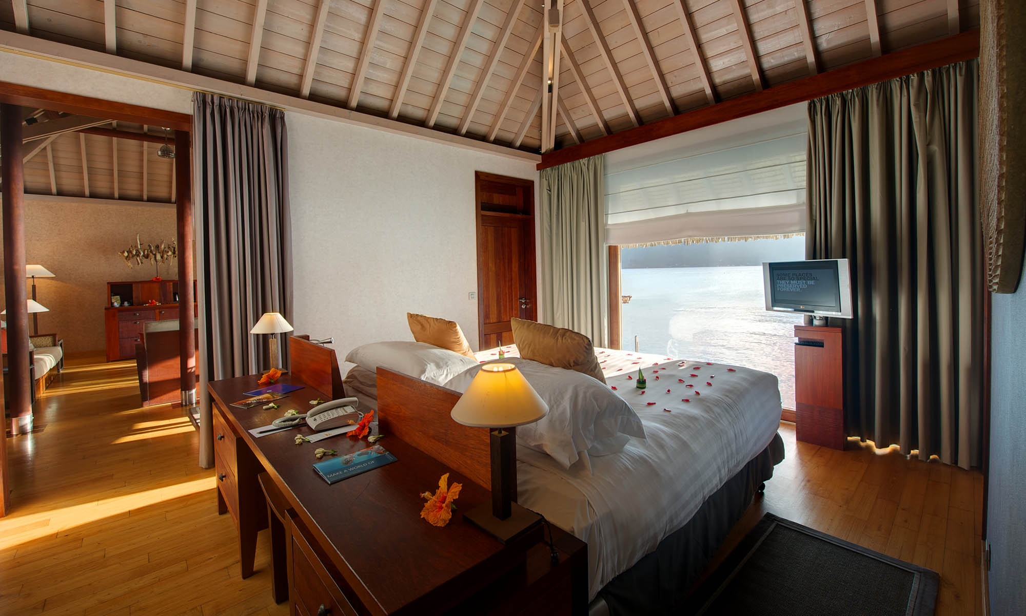 InterContinental Bora Bora Resort & Thalasso Spa, Overwater Villa Bedroom