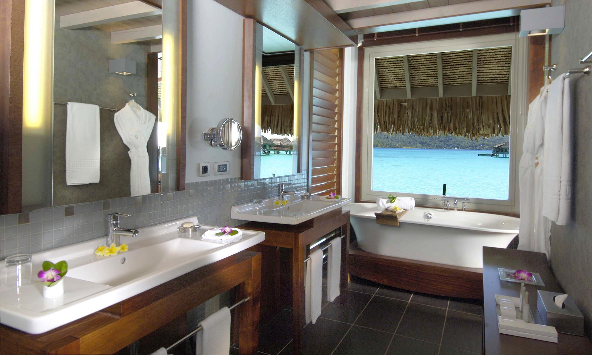 InterContinental Bora Bora Resort & Thalasso Spa, Overwater Villa Bathroom