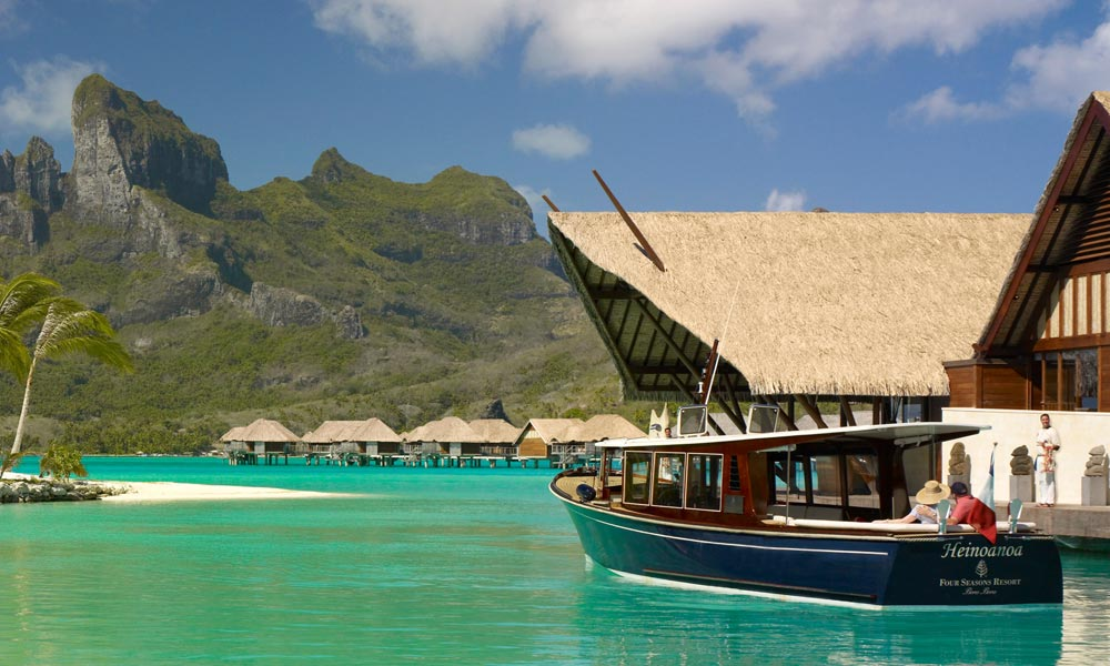 Four Seasons Resort Bora Bora, Boat