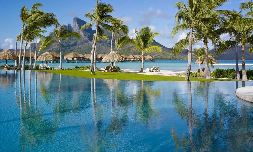 Four Seasons Resort Bora Bora, Pool