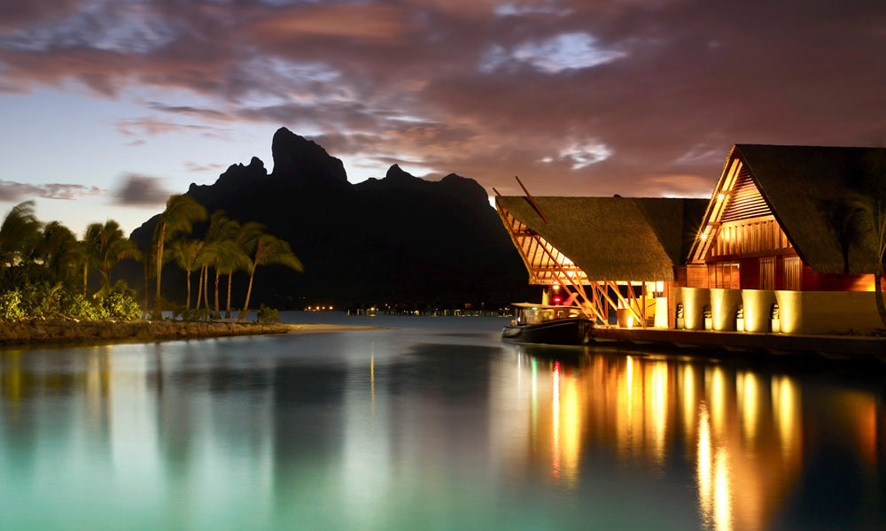 Four Seasons Resort Bora Bora, Lobby Sunset