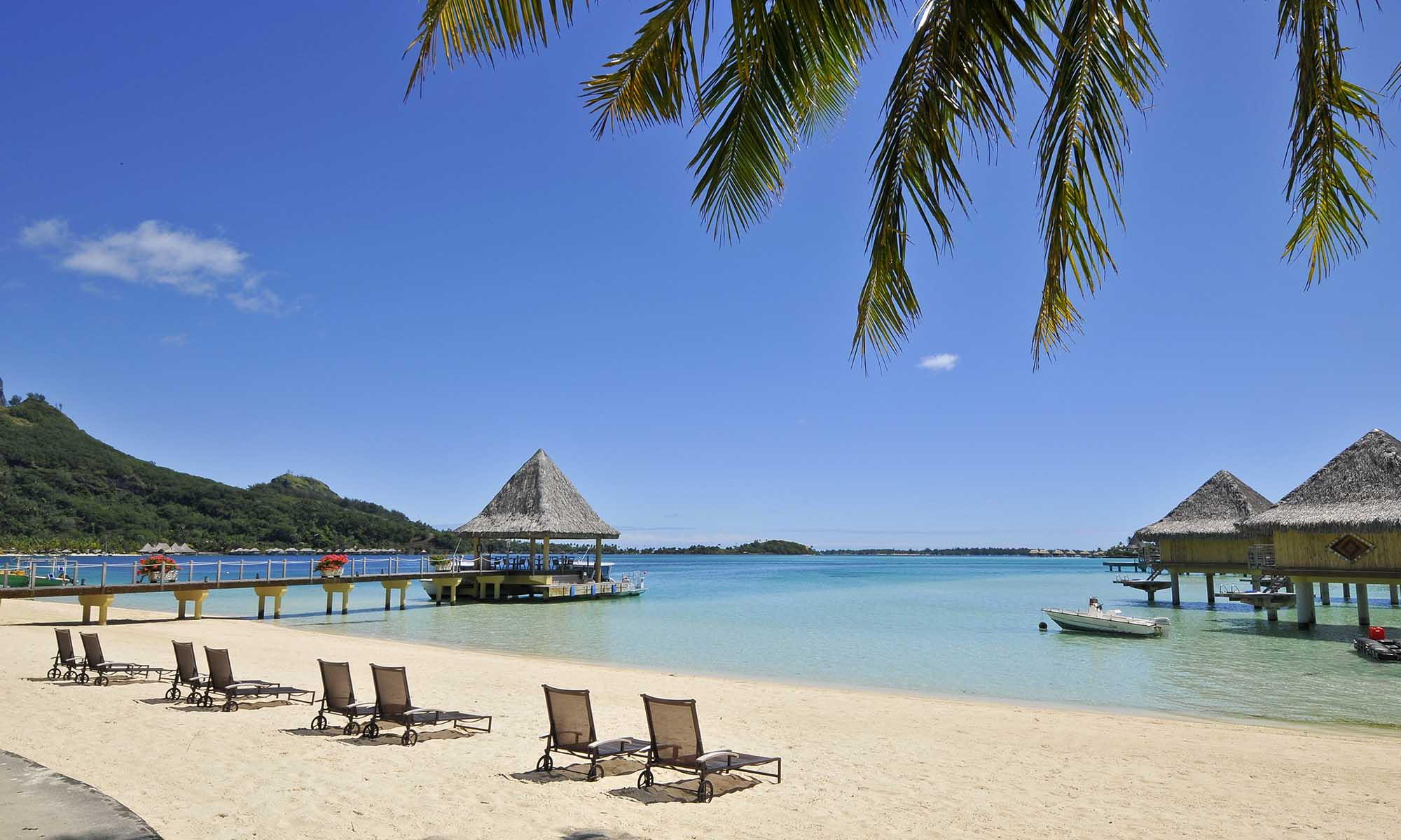 InterContinental Bora Bora Le Moana Resort, Beach