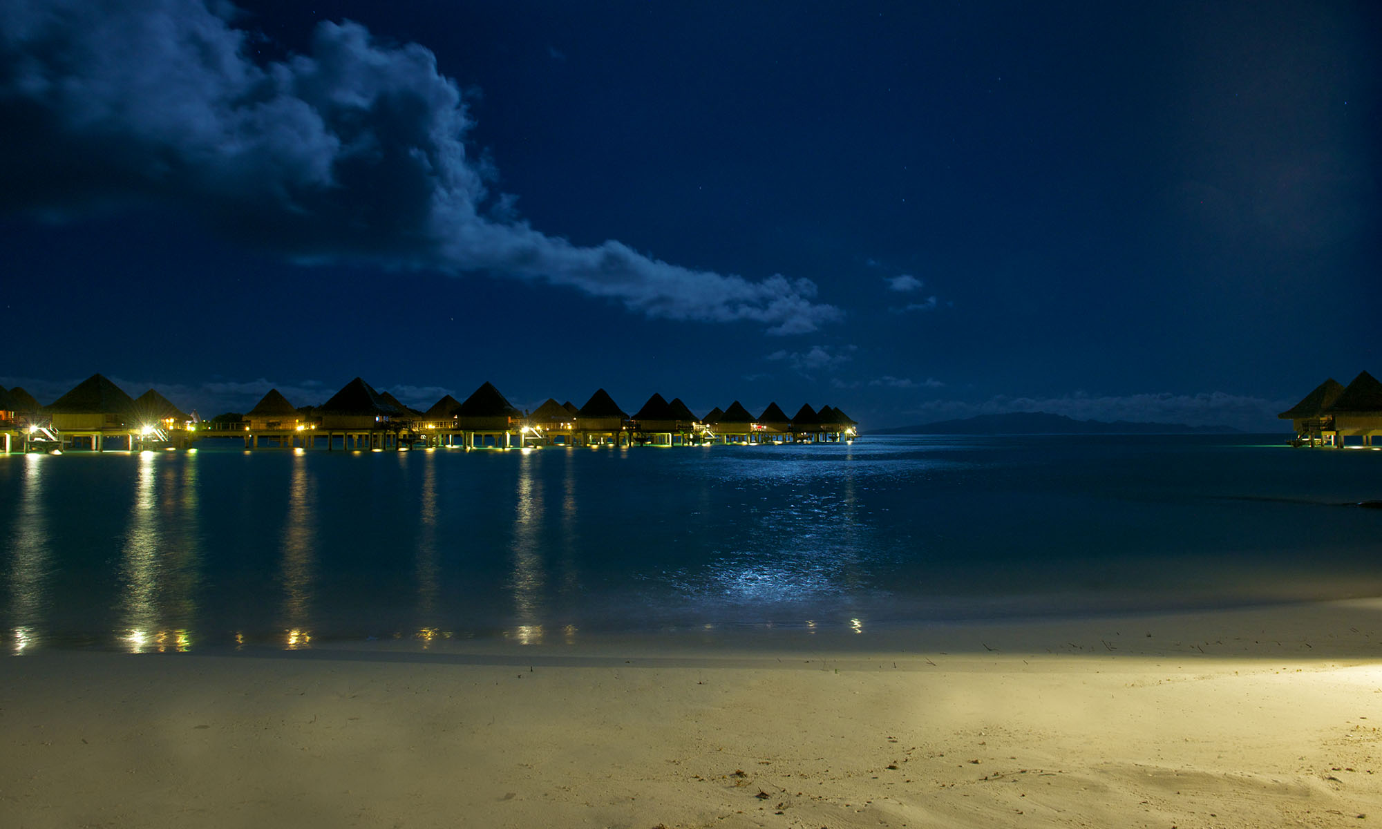 InterContinental Bora Bora Le Moana Resort, Night