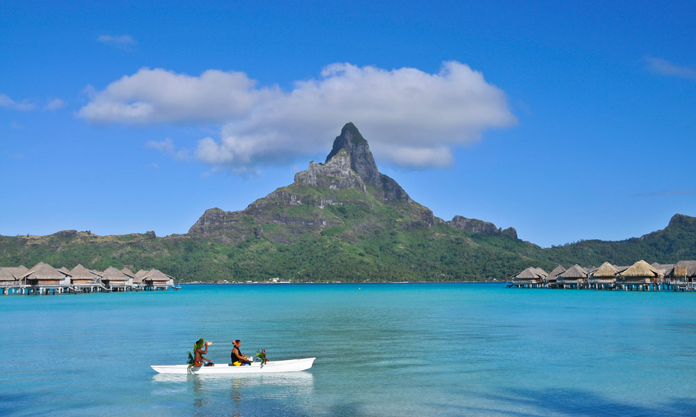 InterContinental Bora Bora Resort & Thalasso Spa, Canoe