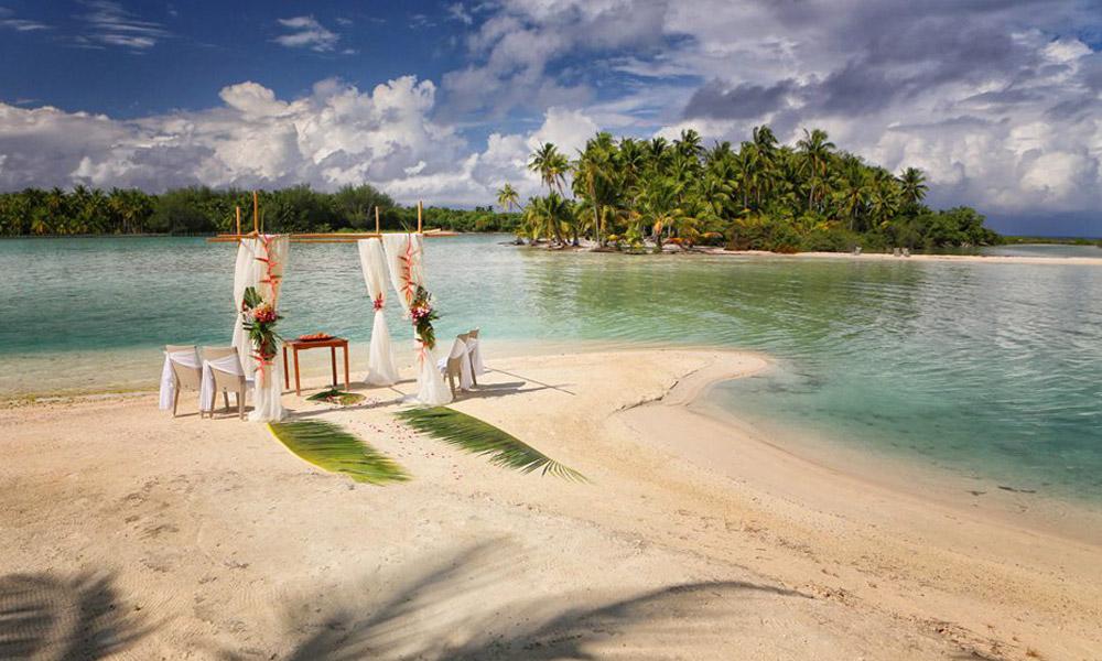 Bora bora hereroa wedding and honeymoon tahiti le meridien bora bora manaha beach wedding junglespirit Image collections