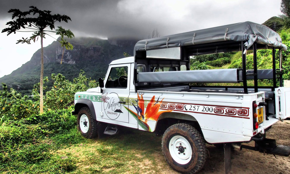 4X4 Cultural Island Tour by Natura Discovery