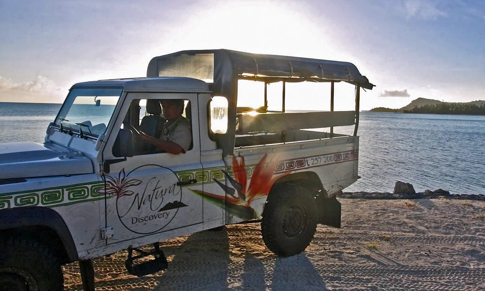4X4 Cultural Island Tour and Sunset Expedition by Natura Discovery