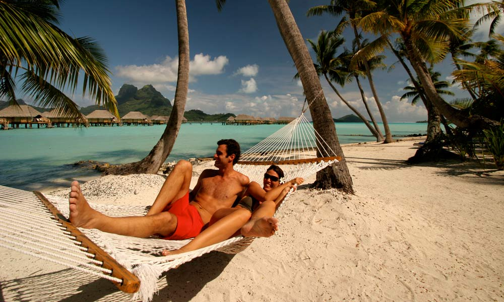 Bora Bora Pearl Beach Resort & Spa, Hammock Couple