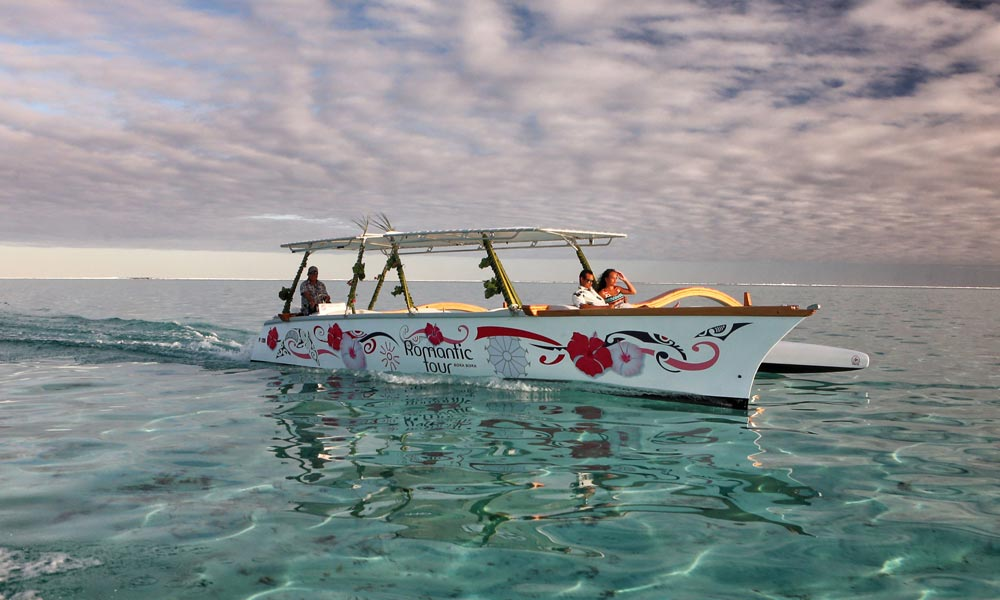 Bora Bora Romantic Tour, Semi-Private Sunset Cruise in the crystal clear lagoon