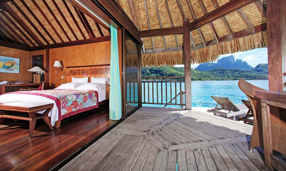 Private overwater honeymoon tahiticom for Honeymoon huts over water