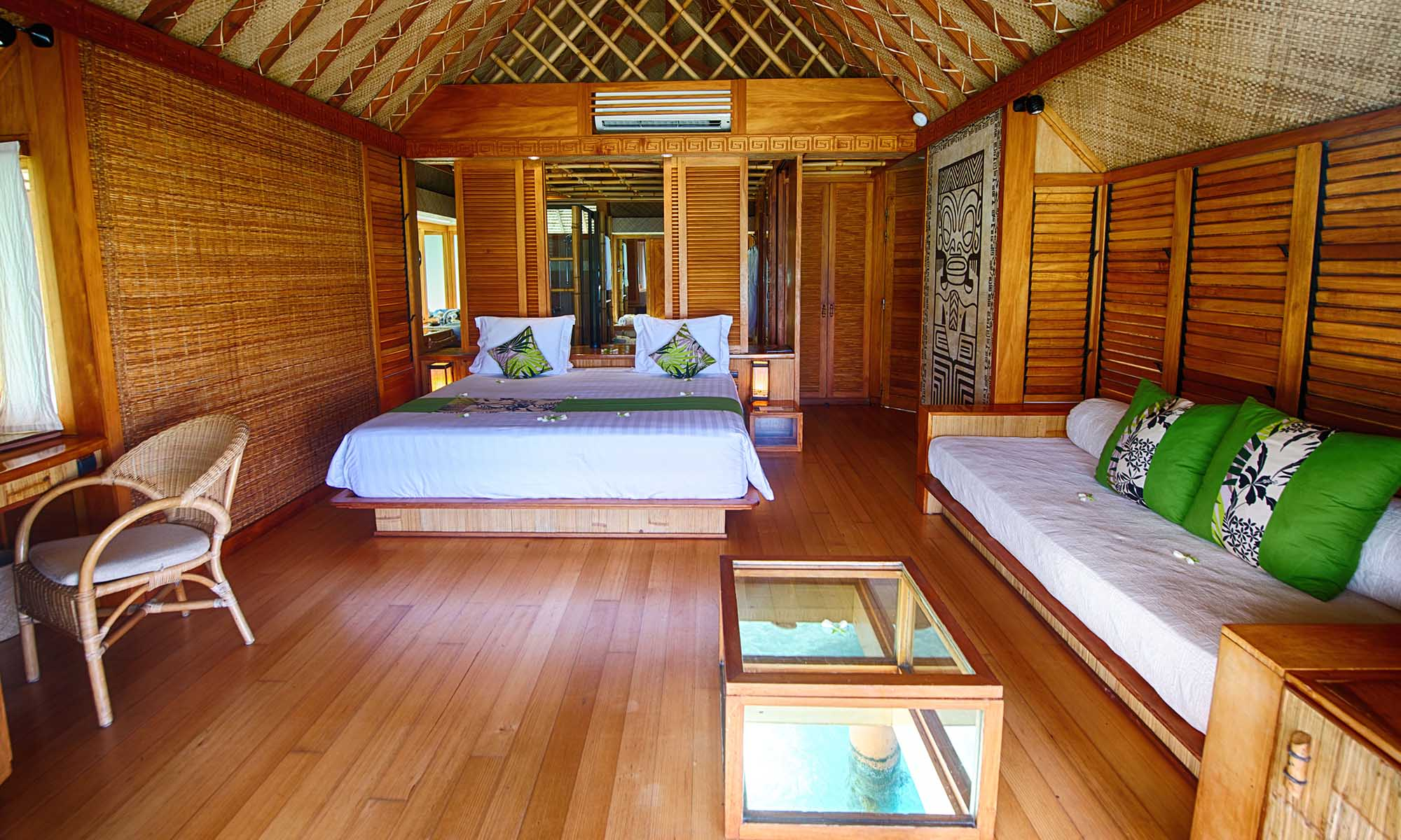 Bora Bora Pearl Beach Resort & Spa, Overwater Bungalow Interior