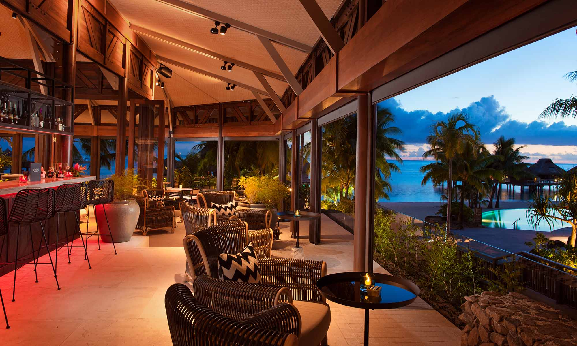 Conrad Bora Bora Nui, Lounge and Wine Bar