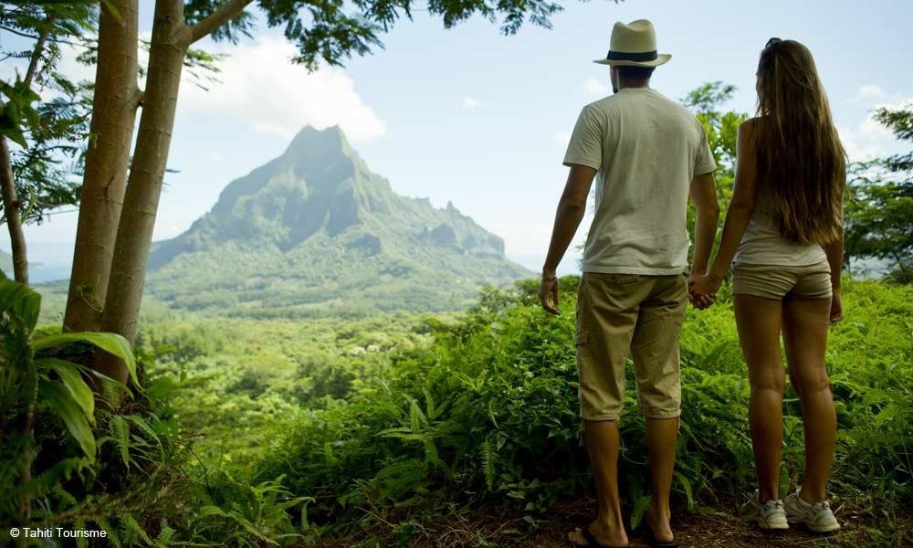 Moorea Hiking The Pass Of The Three Coconuts Tahiti Com