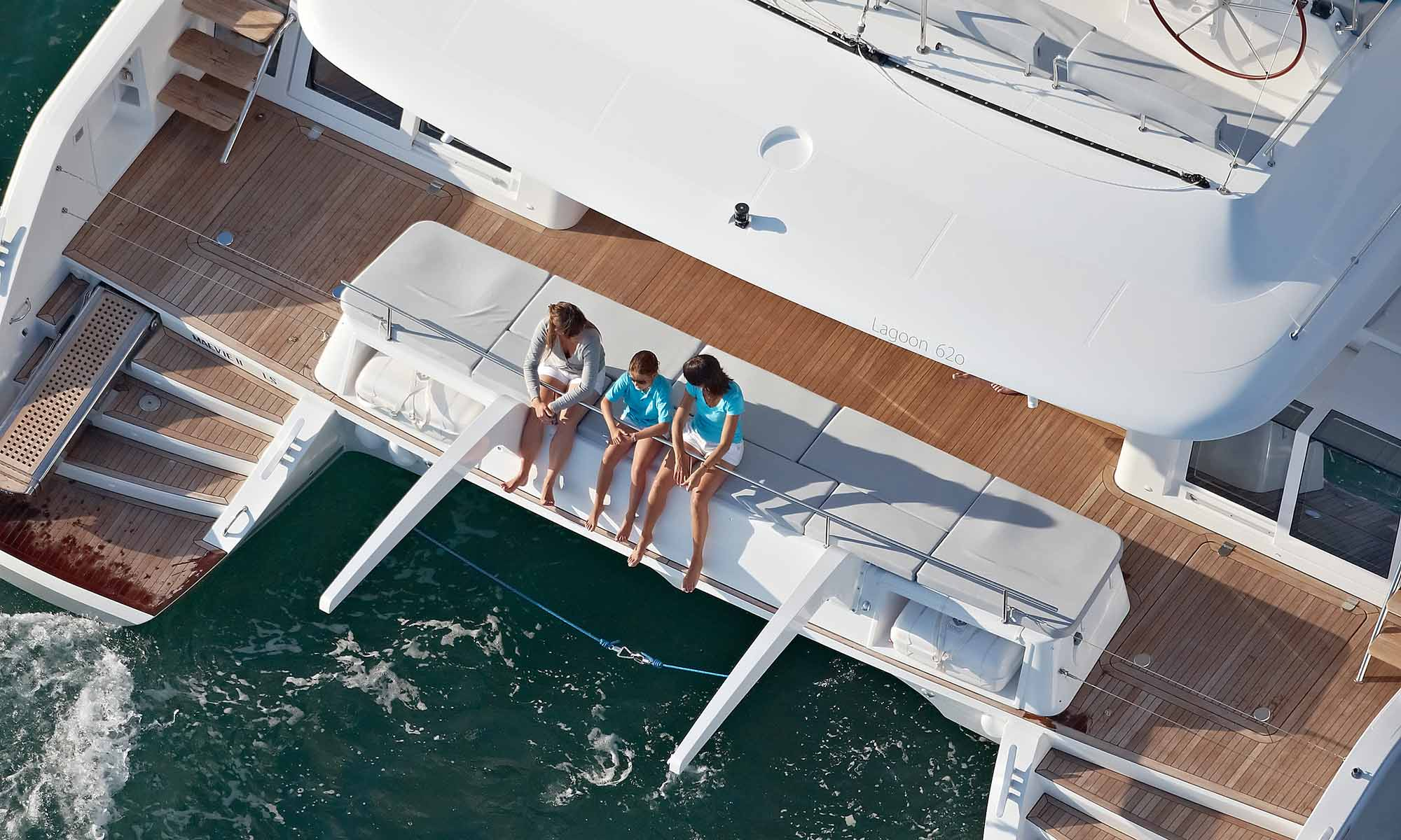 Dream Yacht Charter, Outdoor Lounging