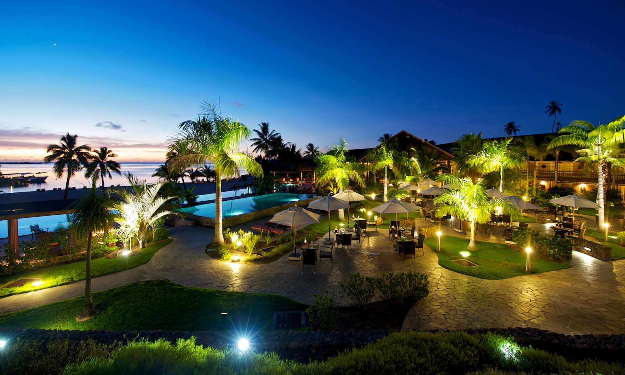 InterContinental Moorea Resort & Spa, Pool at Dusk