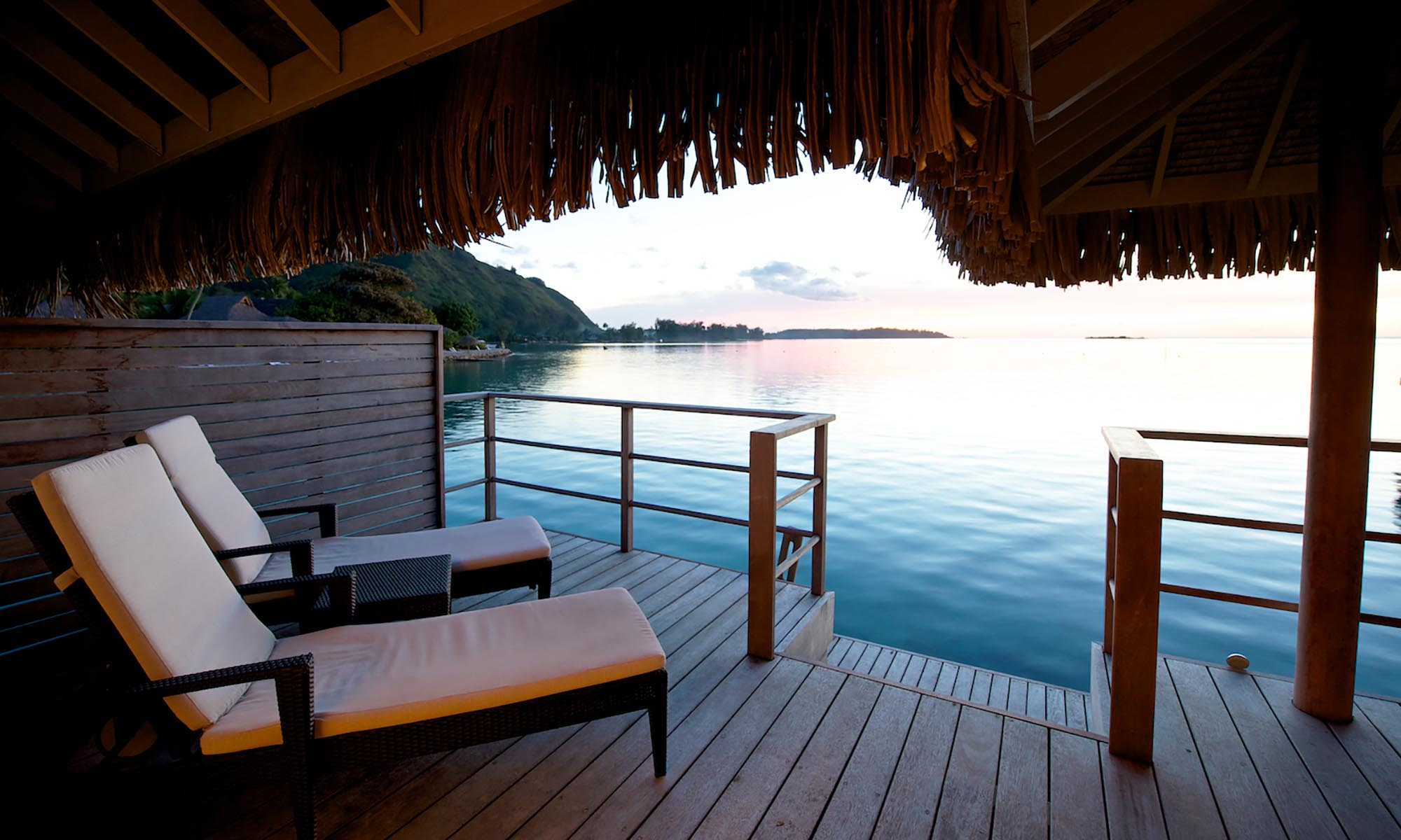 InterContinental Moorea Resort and Spa, Overwater Bungalow Deck
