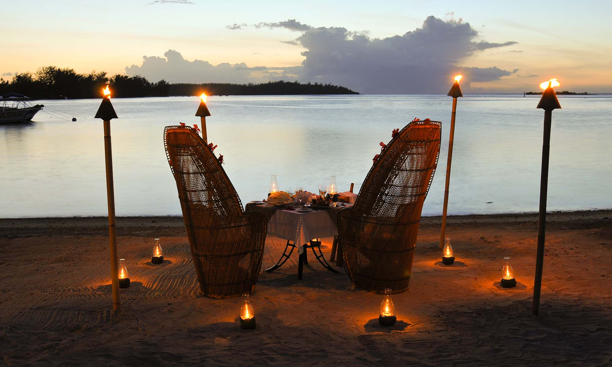 InterContinental Moorea Resort & Spa, Romantic Beach Dinner