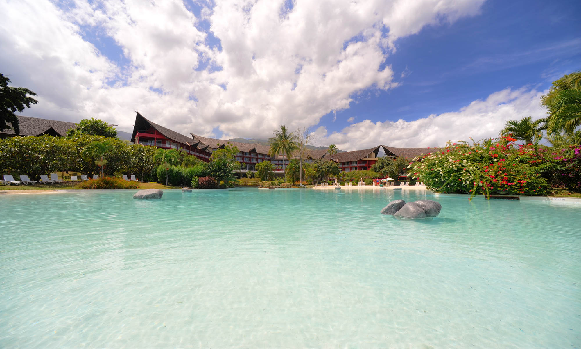 Tahiti Ia Ora Beach Resort by Sofitel, Sand-Bottom Pool