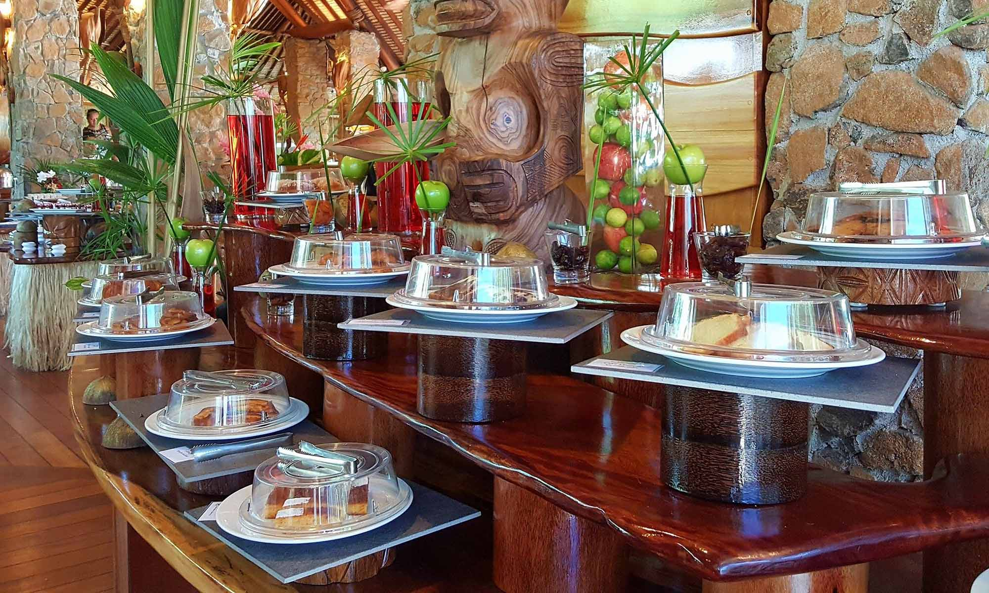 Le Taha'a Island Resort & Spa, Breakfast Buffet