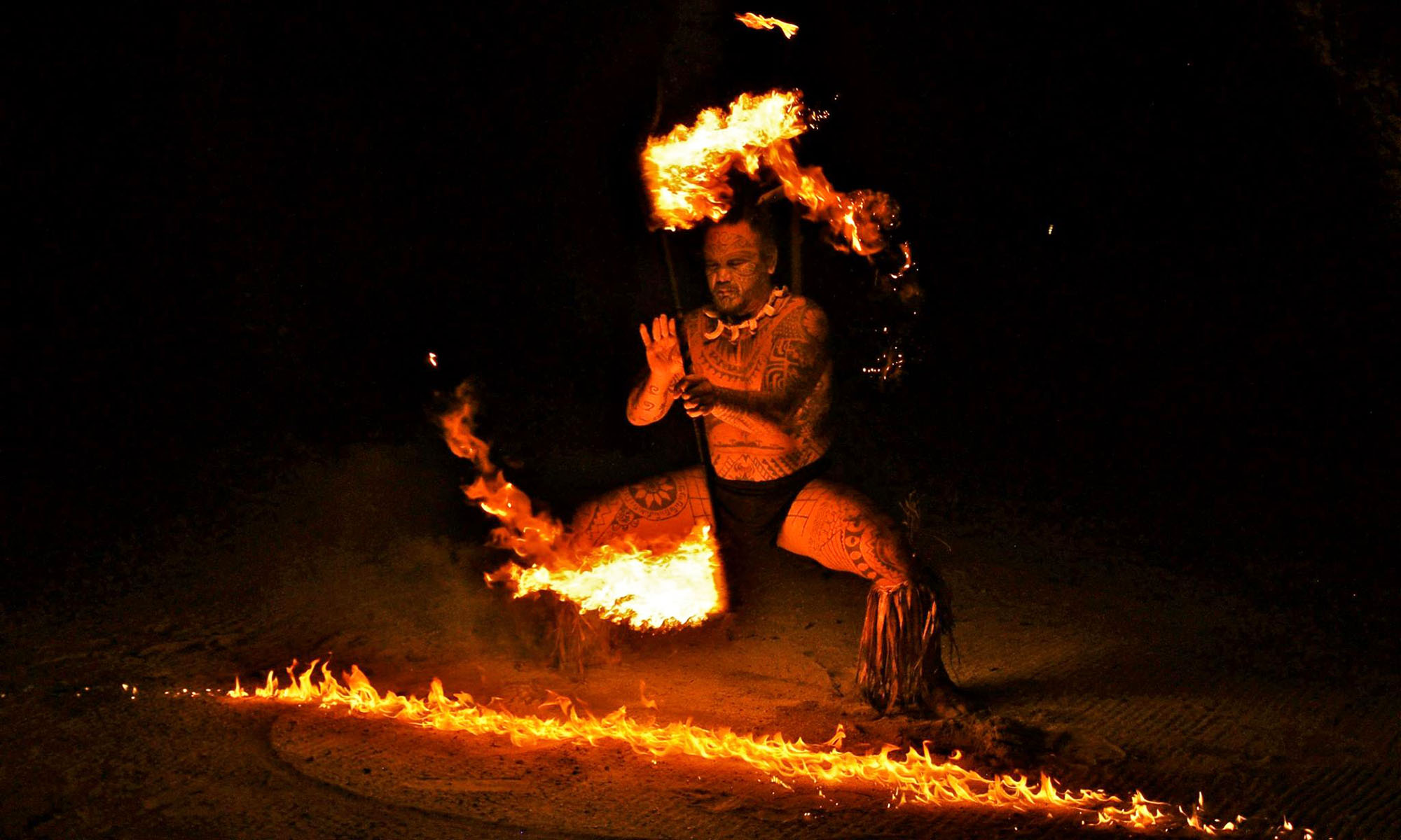 Le Taha'a Island Resort & Spa, Polynesian Fire Dance Show