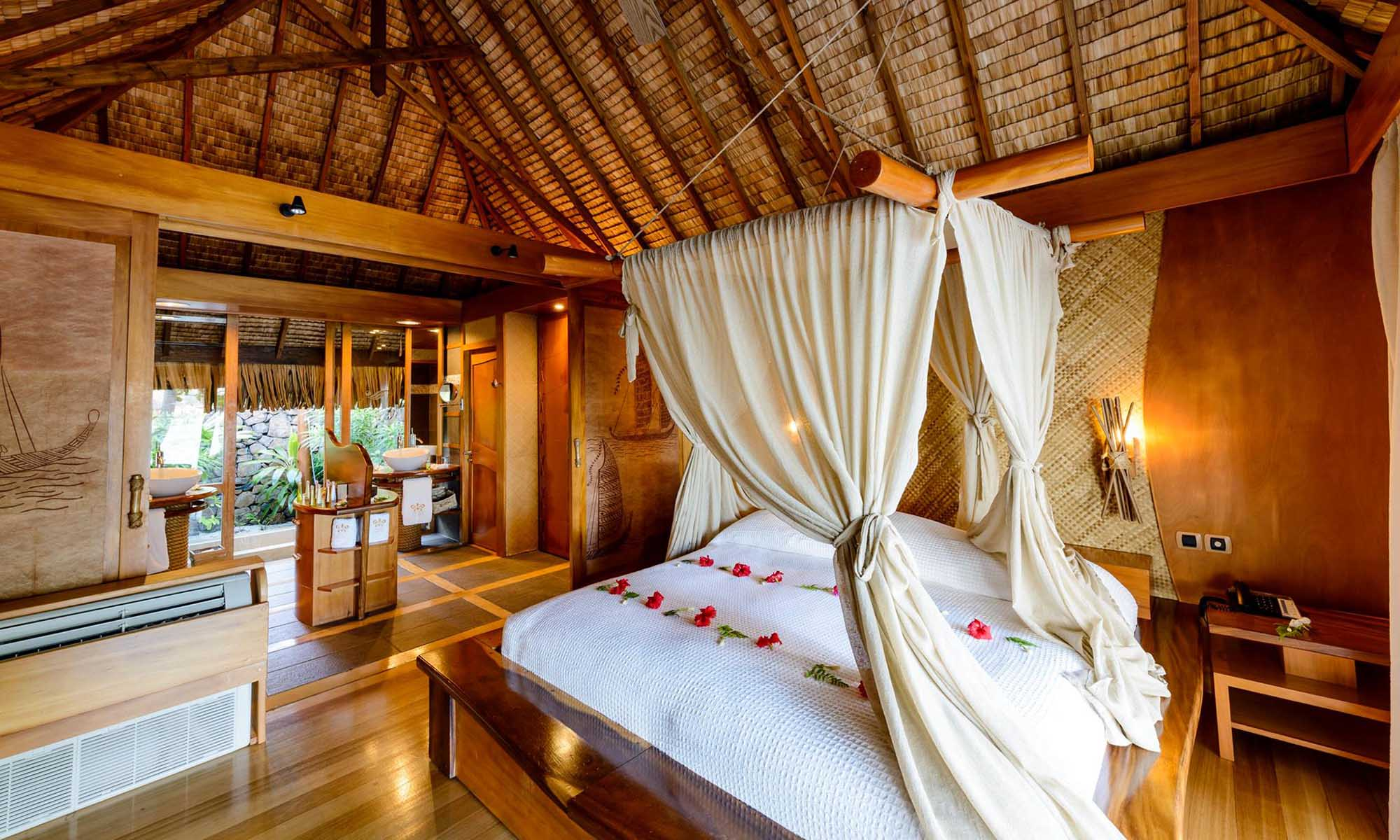Le Taha'a Island Resort & Spa, Royal Beach Villa