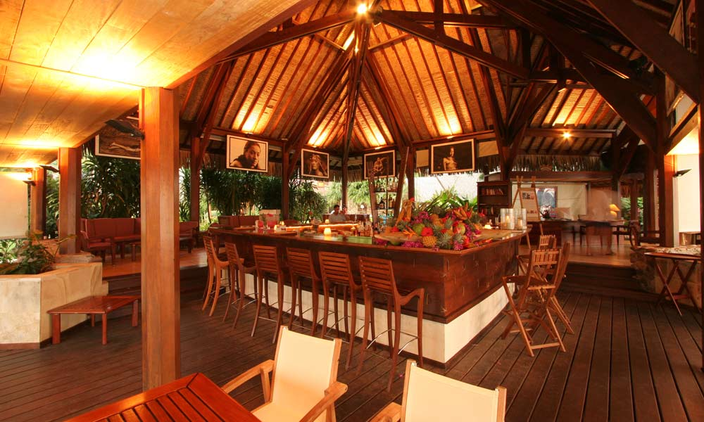 Manava Beach Resort and Spa,  Auteraa Bar