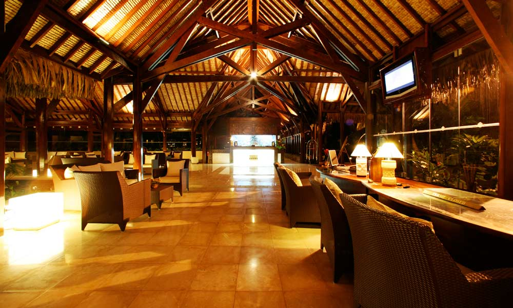 Manava Beach Resort and Spa,  Lobby
