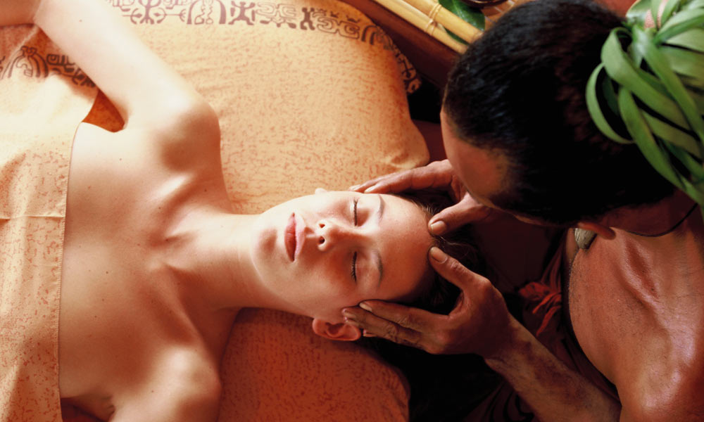Manava Beach Resort and Spa,  Massage