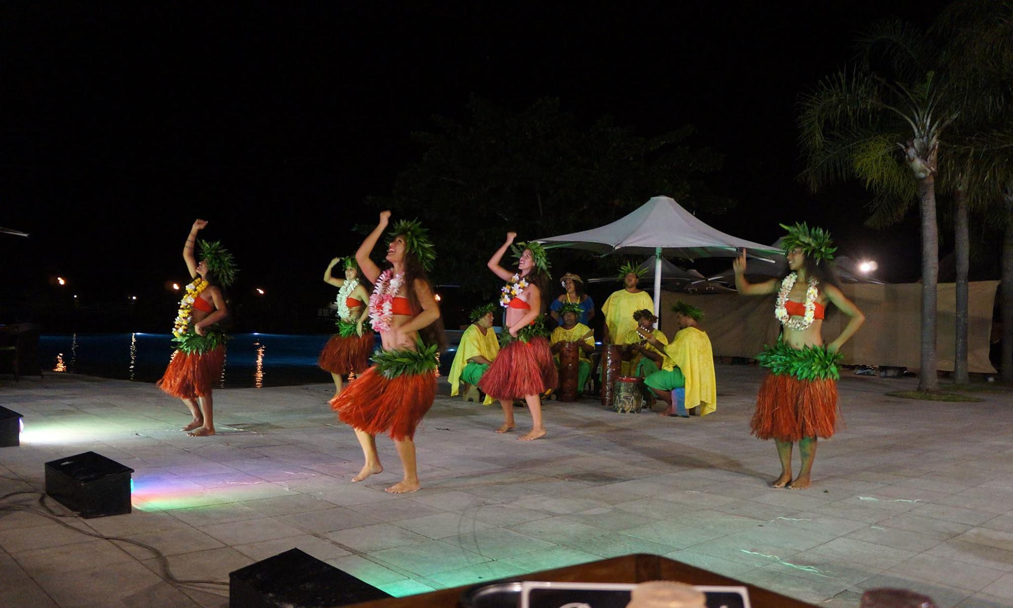 Manava Beach Resort & Spa, Polynesian Dance Show