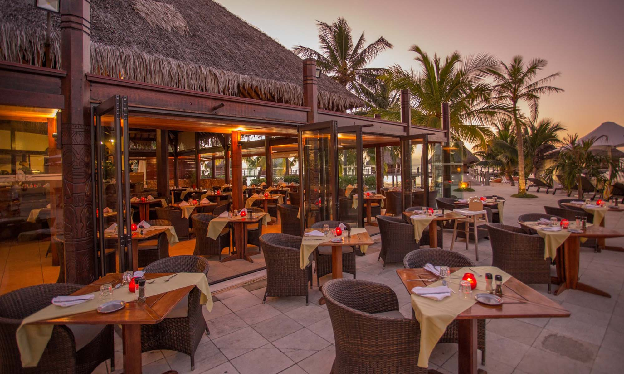 Manava Beach Resort & Spa, Mahanai Restaurant