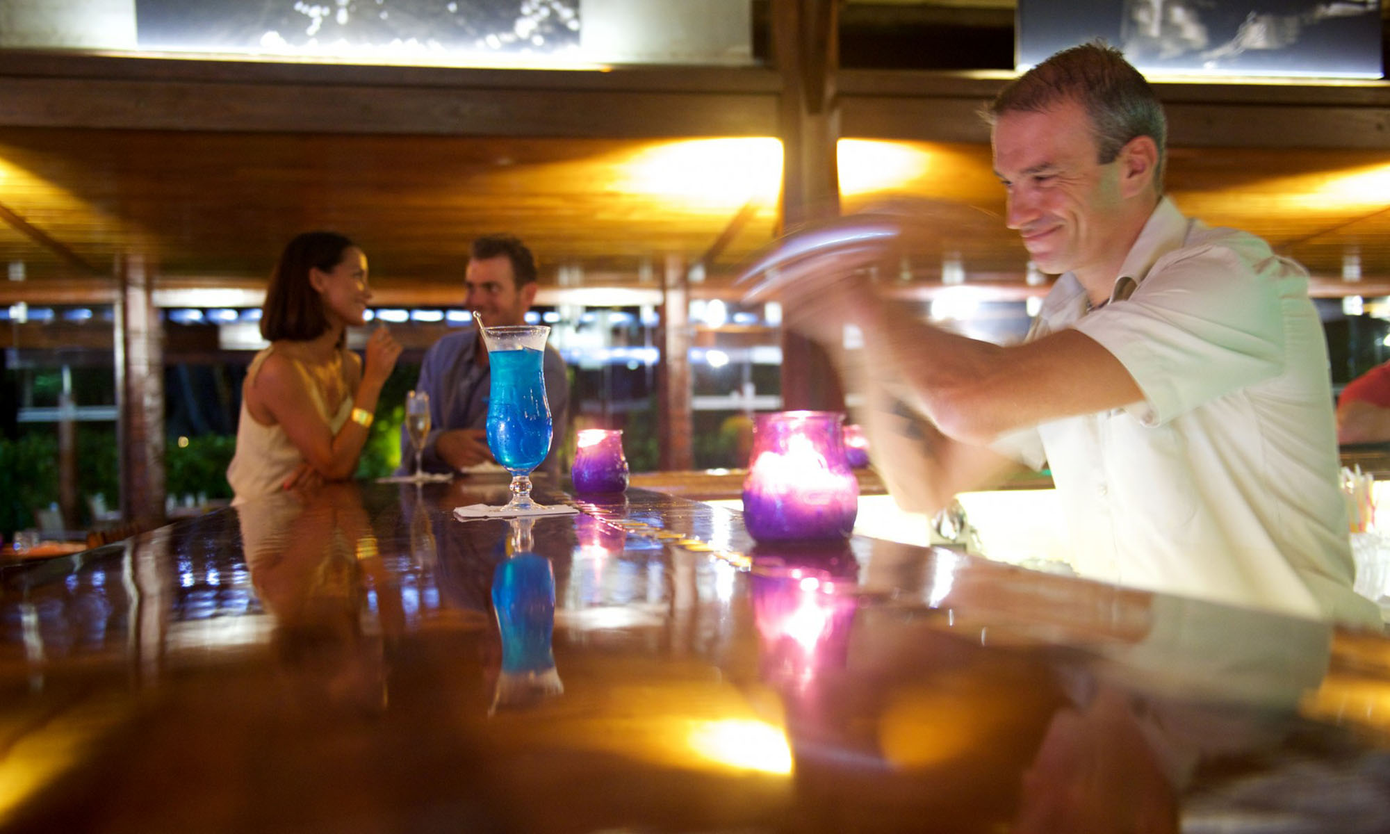 Manava Beach Resort & Spa, Le Bar Autera'a