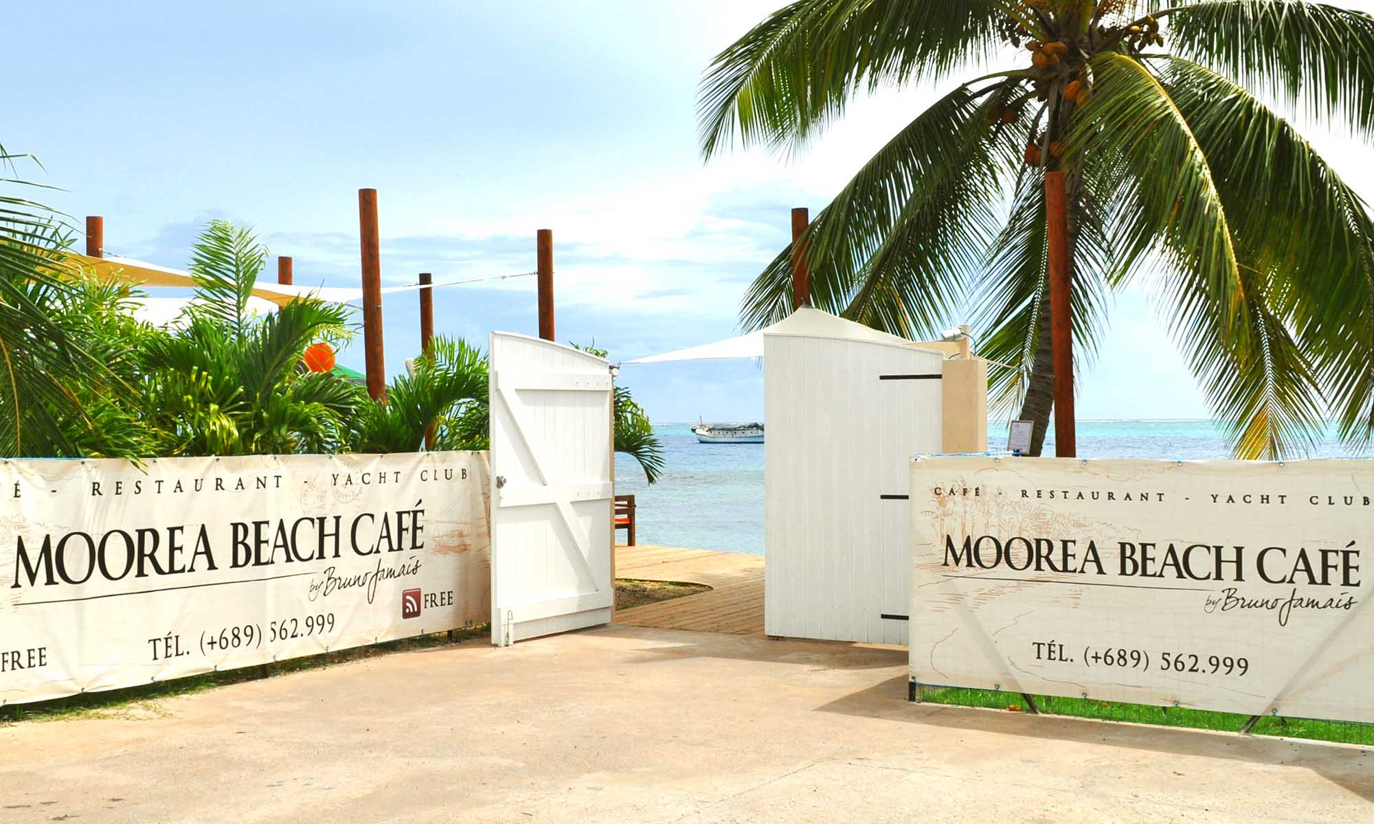 Entrance to Moorea Beach Cafe