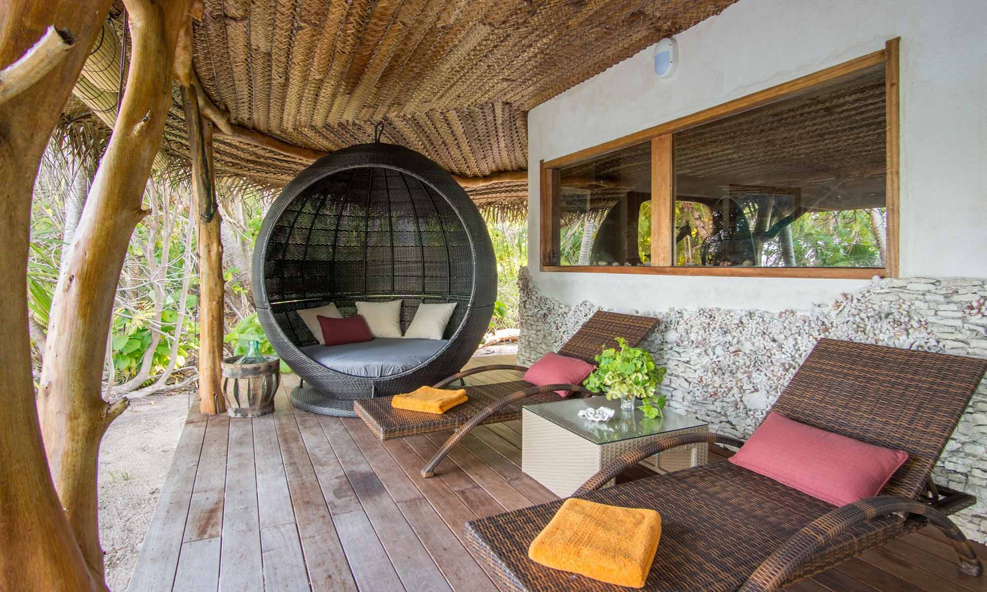 Ninamu Resort, Oceanside Bungalow with Air Conditioning