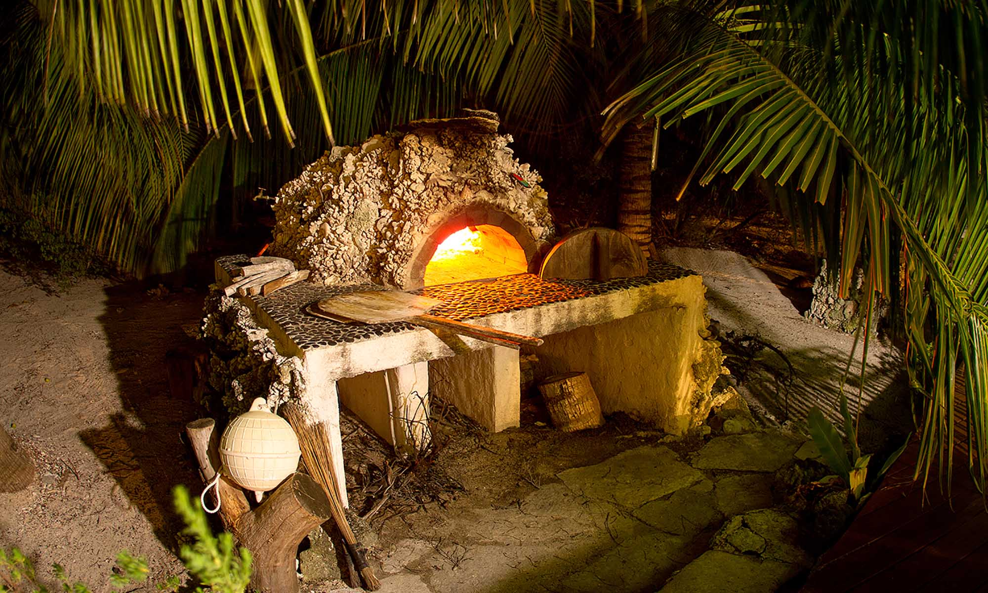 Ninamu Resort, Pizza Oven