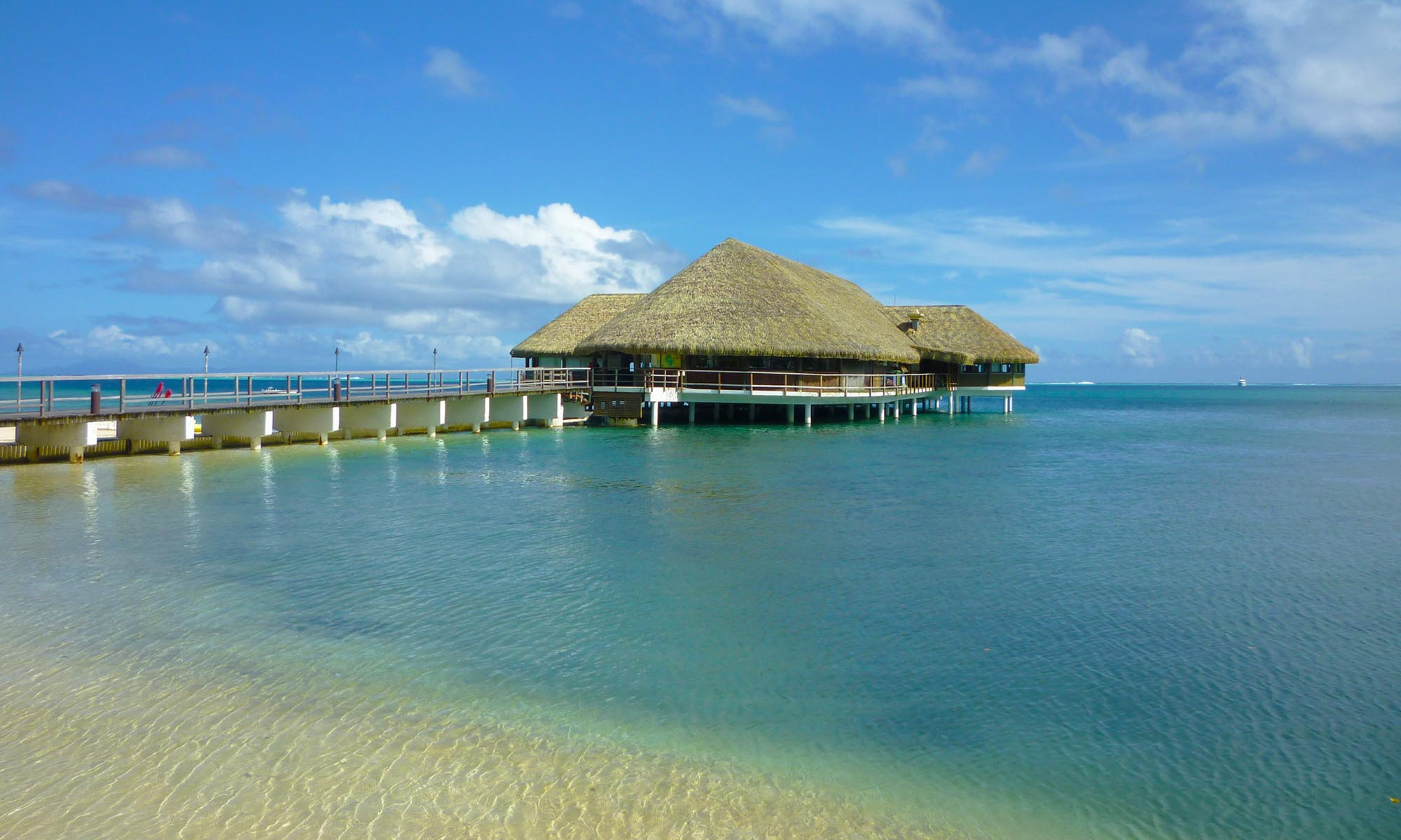 Royal Huahine, Le Arii Overwater Restaurant