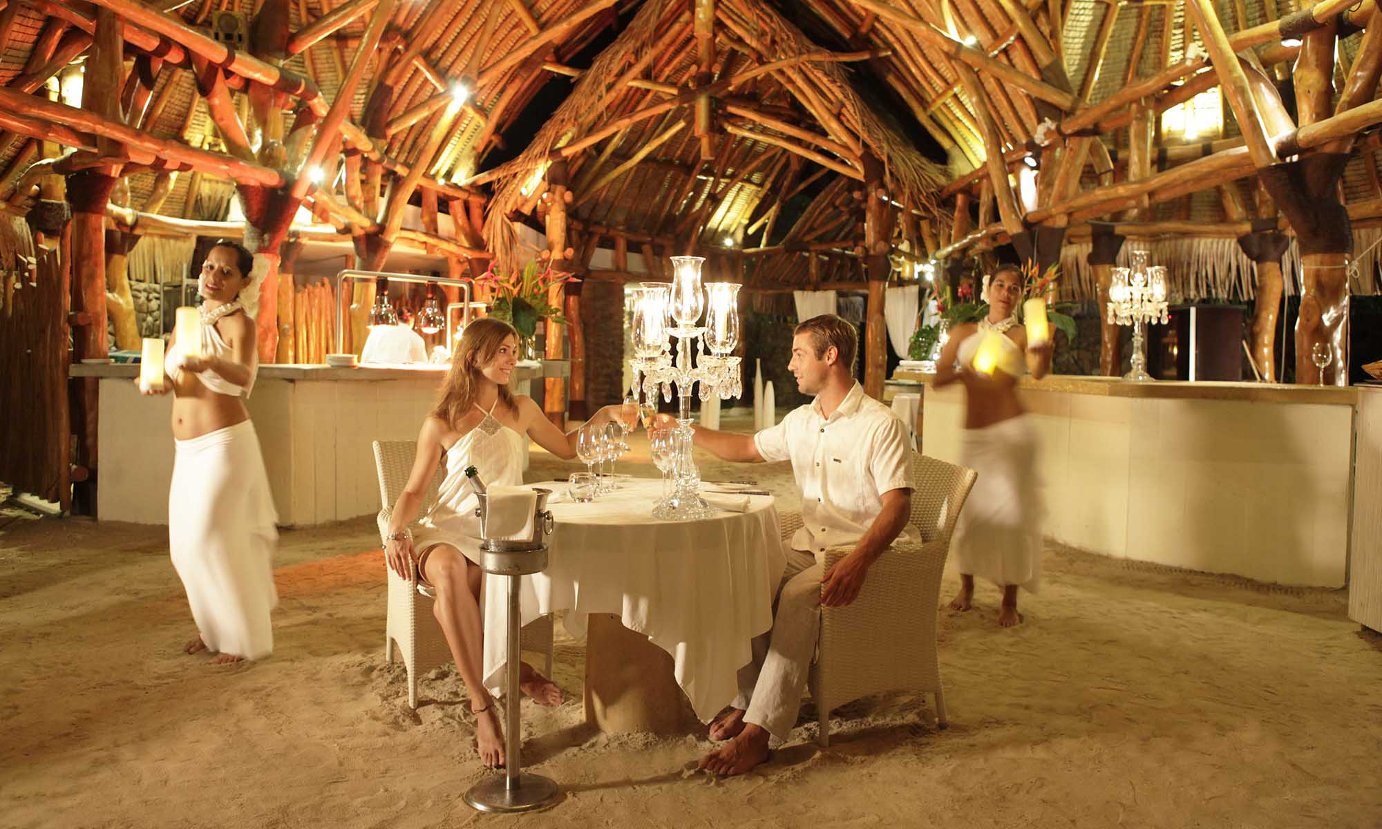 Sofitel Moorea Ia Ora Beach Resort, Romantic Dining