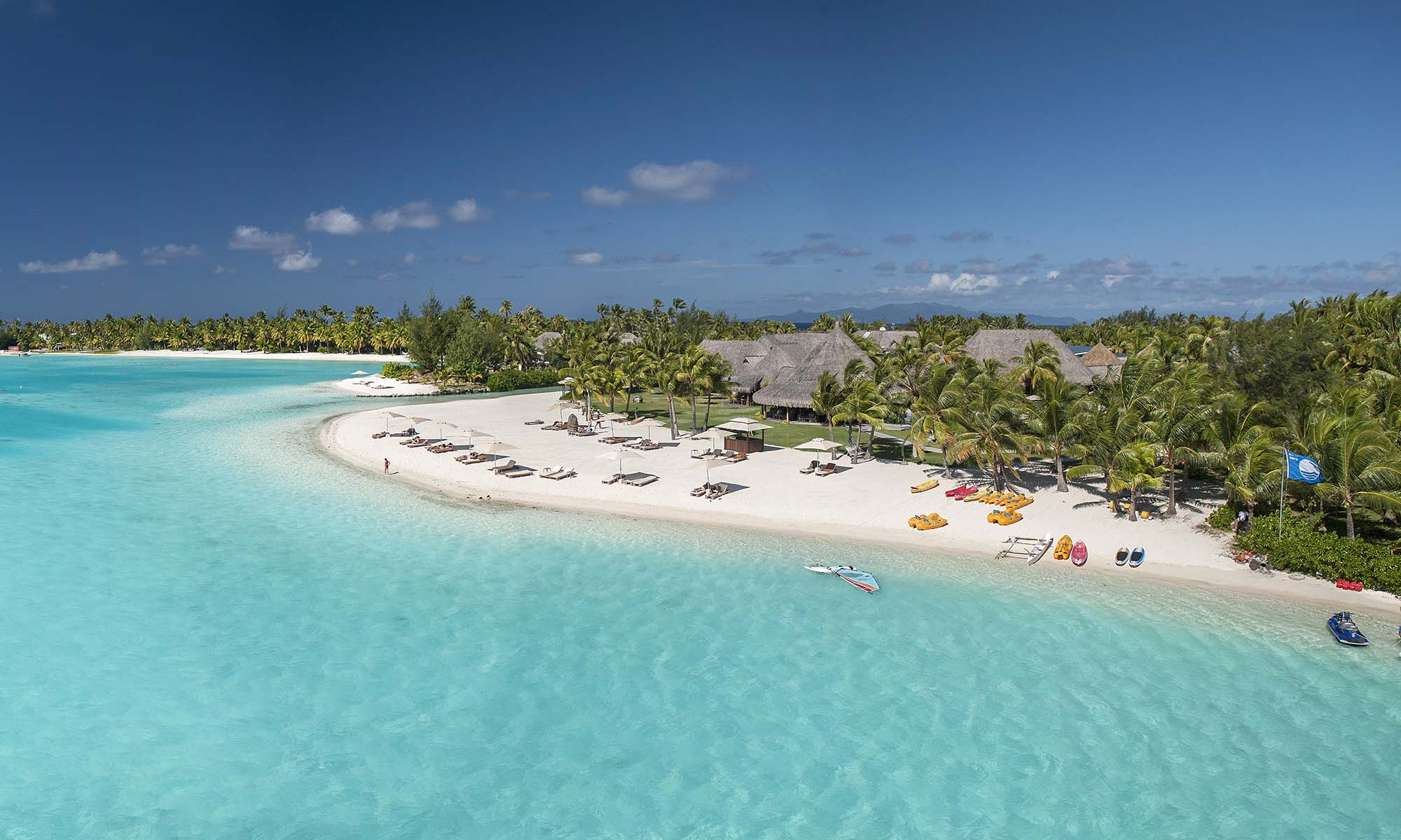 St Regis Bora Bora Resort, Beach
