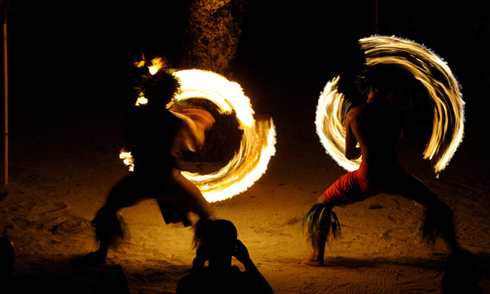 Le Taha`a Island Resort and Spa, Fire Dancing