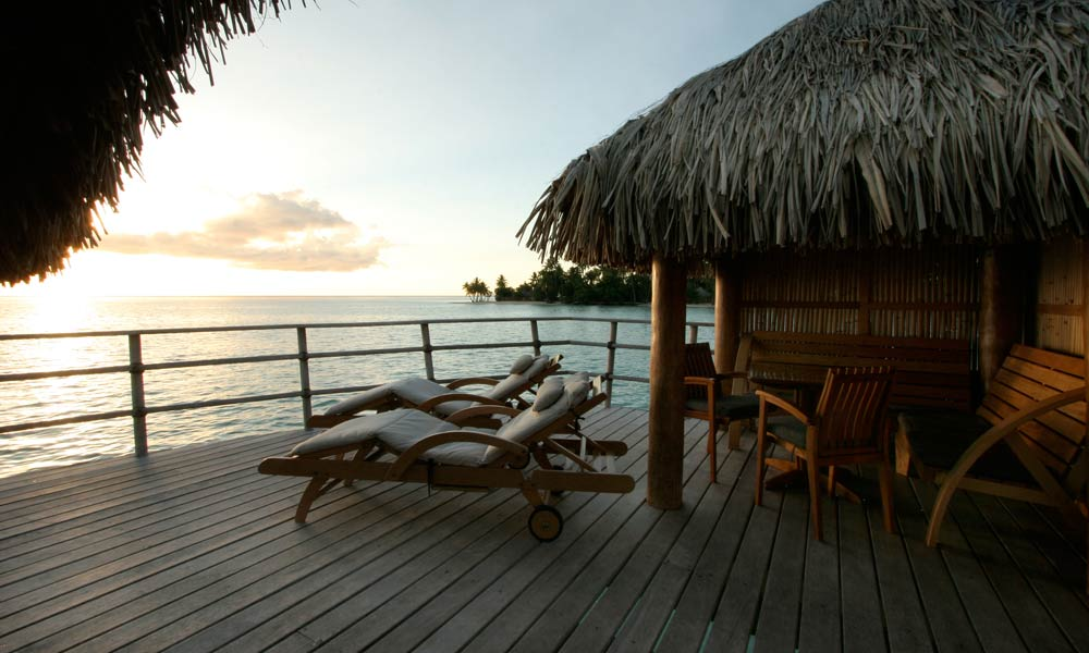 Le Taha`a Island Resort and Spa, Overwater Suite Deck