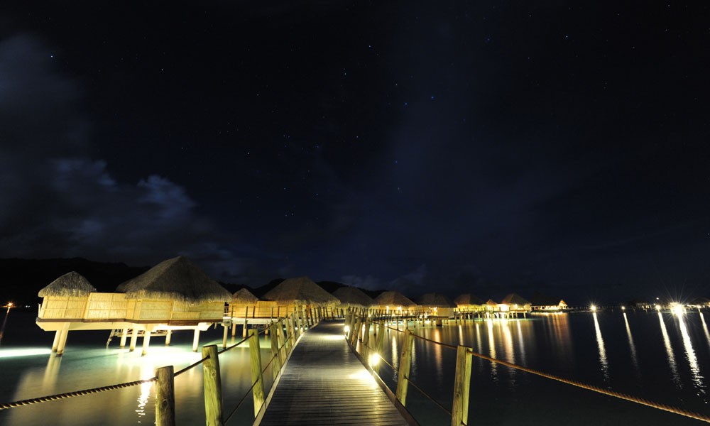 Le Taha`a Island Resort and Spa, Pontoon
