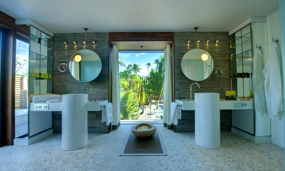 The Brando, Bathroom