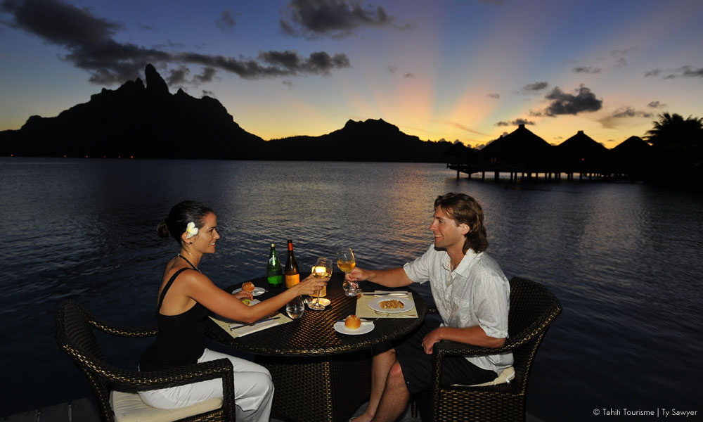 Bora Bora, sunset dining