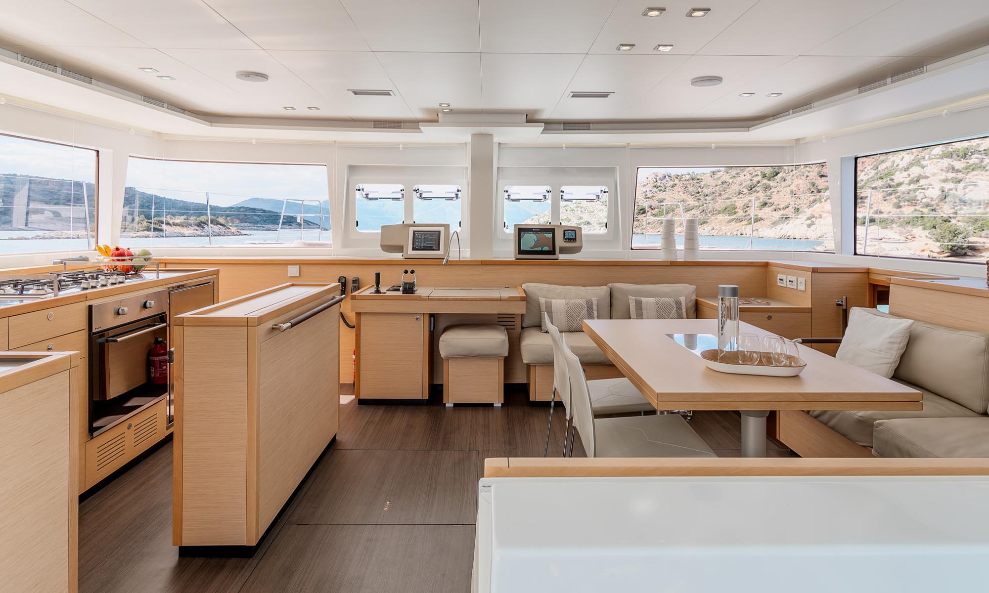 Tahiti Yacht Charter, Diva Catamaran Indoor Living Space