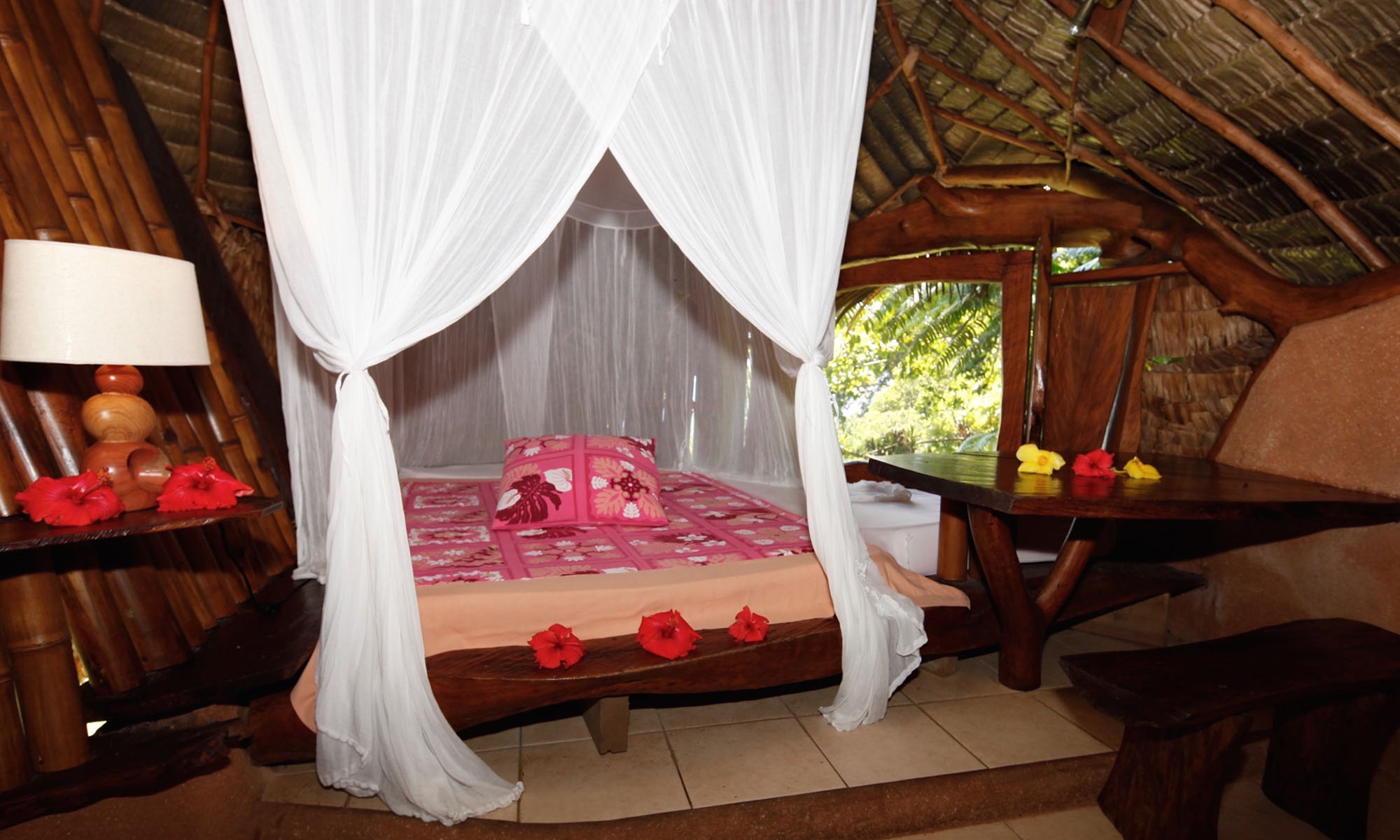 Vanira Lodge, Ofai Fare Bedroom