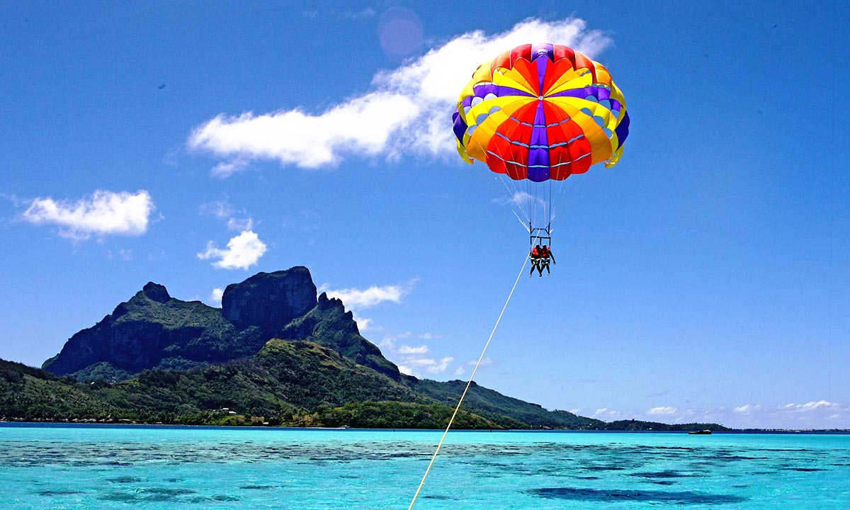 Bora Bora Parasailing, Things to do in Bora Bora | Tahiti.com
