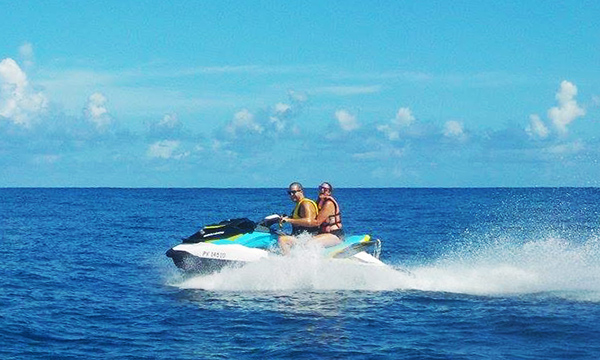 Jet Ski Tour, Lunch at Moorea Beach Cafe & 4x4 Safari