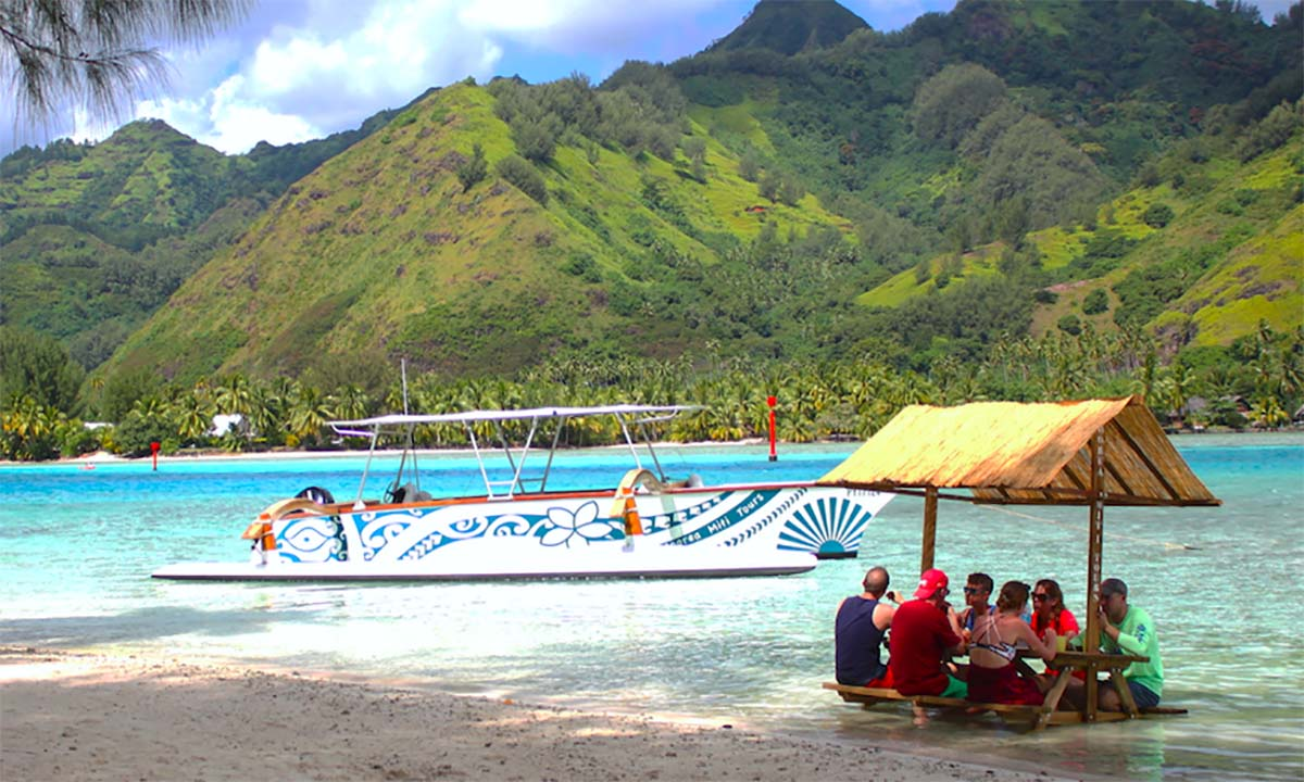 Moorea Miti Tours, Outrigger Lagoon Cruise with Picnic