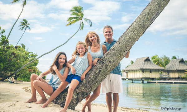 Moorea Family Moment Photo Shoot